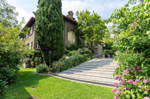 Villa Ronco Dell'Abate - Private Garden in Como - Accommodation