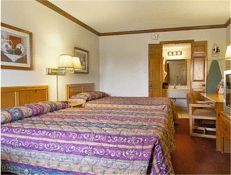 Indy Speedway Inn - Indianapolis, IN 46254