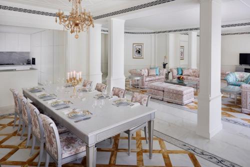 Palazzo Versace Dubai - Photo 8 of 52