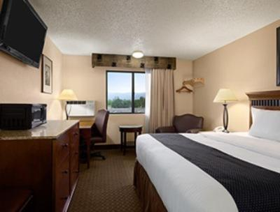 Super 8 By Wyndham Canon City - Canon City, CO 81212