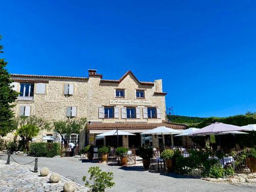 . Auberge du Vieux Château