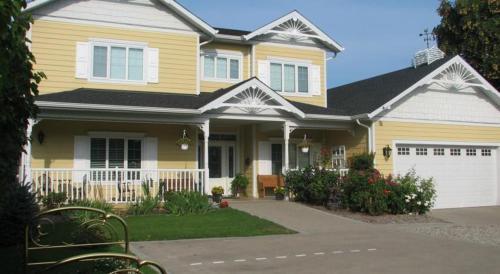 Chesterfield Inn By Elevate Rooms, Kelowna, British Columbia, Canada