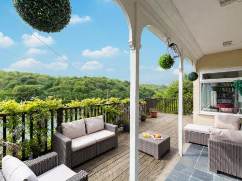 Cozy Holiday Home In Morval With Private Garden, Looe, Cornwall