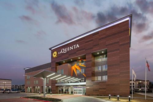 . La Quinta Inn & Suites DFW West-Glade-Parks