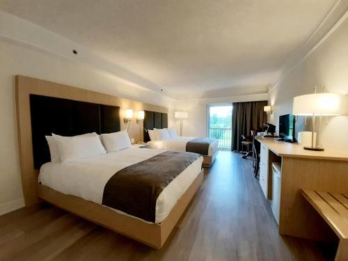 Le Manoir Du Lac DeLage - Hotel - Stoneham