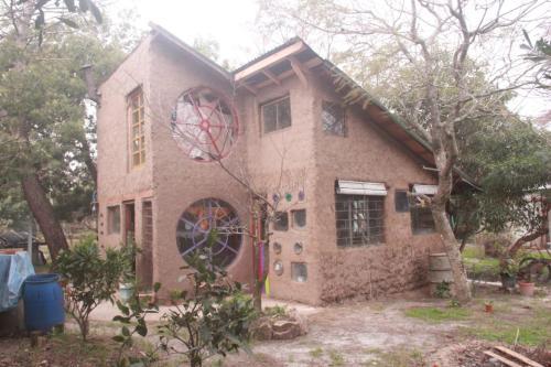 AMOR PISCIANO casa de tierra, n.a348
