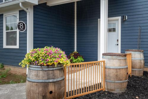 Fabulous Downtown Wolfville Suite with Parking  AC Laundry - Wolfville, NS B4P 2S2