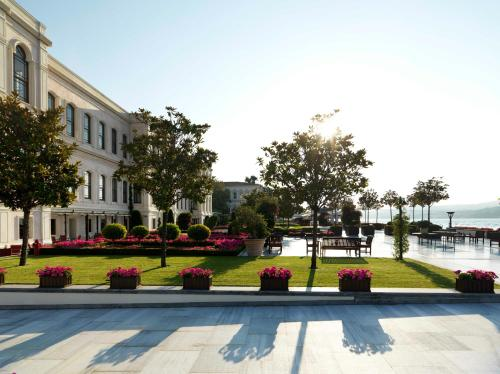 Four Seasons Hotel Istanbul at the Bosphorous - 24 of 31