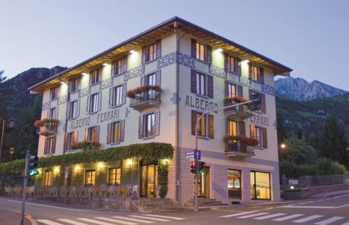 Hotel Ferrari - Castione della Presolana