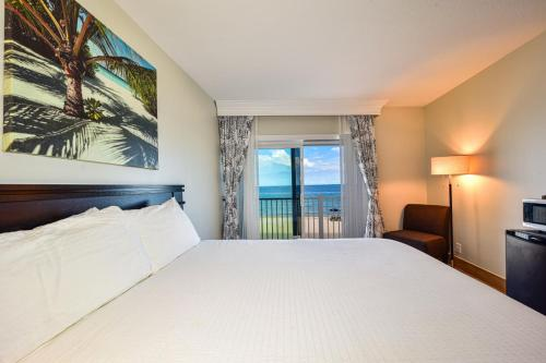Sun Tower Hotel & Suites on the Beach - image 4