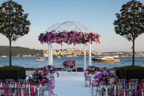 Four Seasons Hotel Istanbul at the Bosphorous - 8 of 31