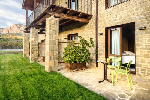 Habitación Doble - 1 o 2 camas - Uso individual Hotel Spa Aguas de los Mallos 3