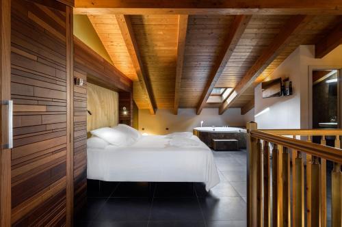 Junior Suite Hotel Spa Aguas de los Mallos 3
