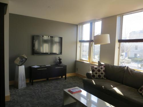 Suites at 118 - Bloomington - Bloomington, IN 47404