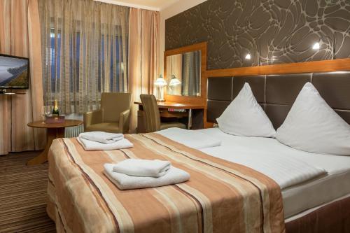 . Hotel ARA - Dancing Club Restauracja ARA