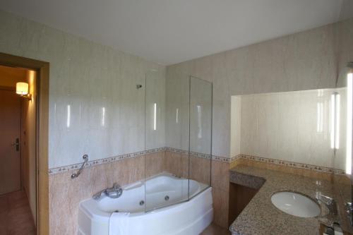 Double Room - nº 2 Jacuzzi for one person Mas la Casassa 6