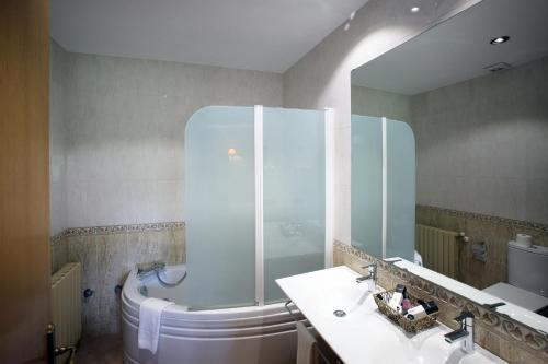 Habitación Doble 8 con jacuzzi para 1 persona Mas la Casassa 8