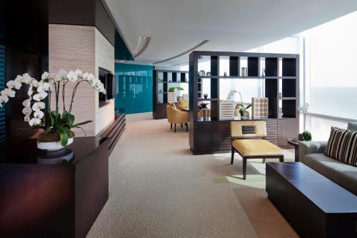 Jumeirah Emirates Towers photo 23