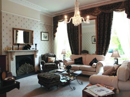 Butlers (Bed and Breakfast) Cheltenham
