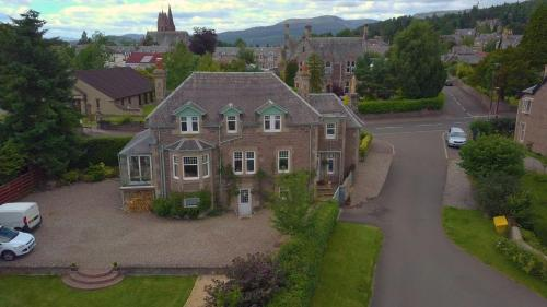 Firtree Bed And Breakfast At Galvelbeg House, Crieff
