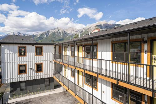 Basecamp Suites Canmore - Canmore, AB T1W 2V7