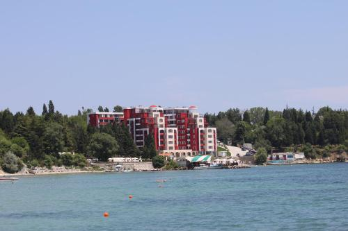 Private apartments in Rich-1