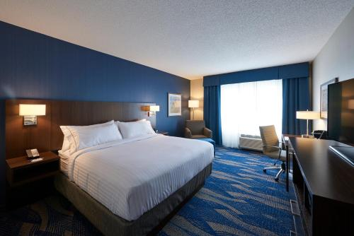 Holiday Inn Express & Suites St. John's Airport - Photo 8 of 35