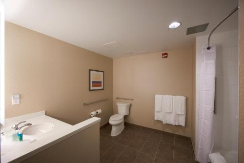 Holiday Inn Express & Suites St. John's Airport - Photo 7 of 35