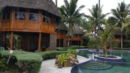 . Hotel Tortuga Village