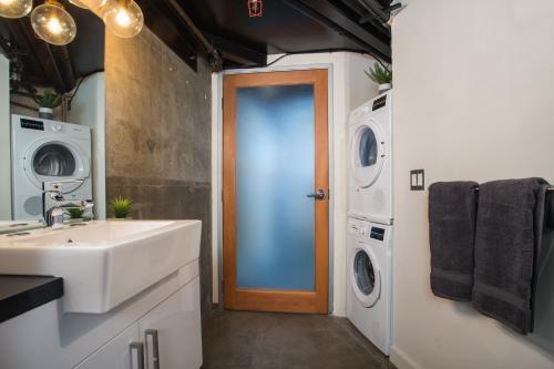 Hollywood Luxury Lofts Main image 1