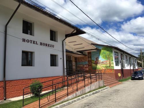 . Hotel Horezu