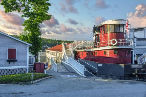 . Tugboat Inn