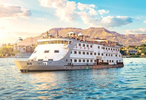 Champollion II Nile cruise