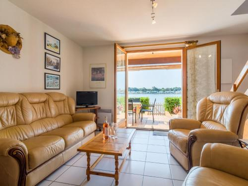 . Cozy Apartment in Le Barcares with Swimming Pool
