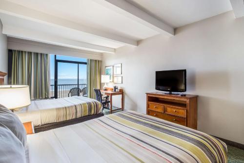 Country Inn & Suites by Radisson, Virginia Beach (Oceanfront), VA Main image 1