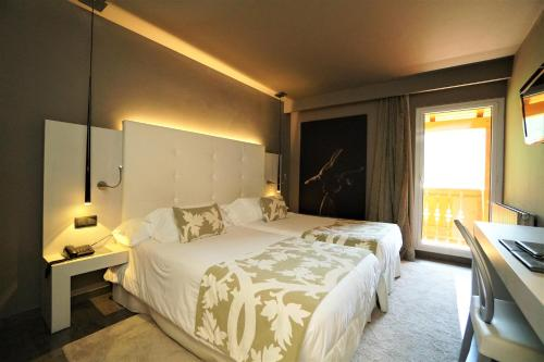 Double Room with Terrace Hotel & Spa Xalet Bringue 1