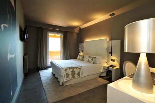 Double Room with Terrace Hotel & Spa Xalet Bringue 5