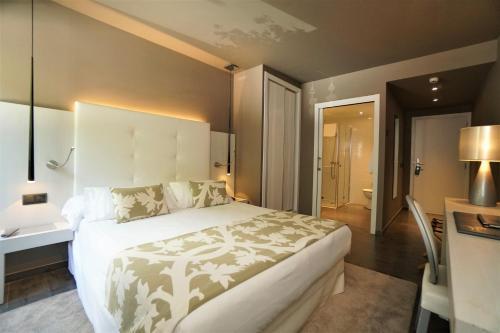 Double or Twin Room Hotel & Spa Xalet Bringue 2