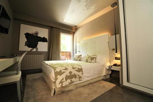 Double or Twin Room Hotel & Spa Xalet Bringue 3