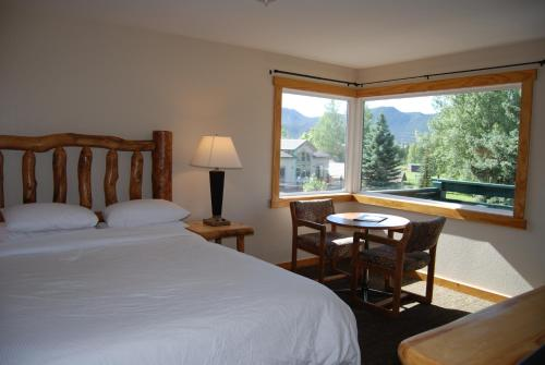 Discovery Lodge - Accommodation - Estes Park
