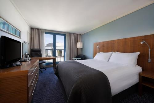Holiday Inn London Camden Lock, an IHG Hotel - image 4