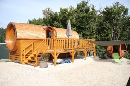 Accommodation in Dompierre-sur-Mont