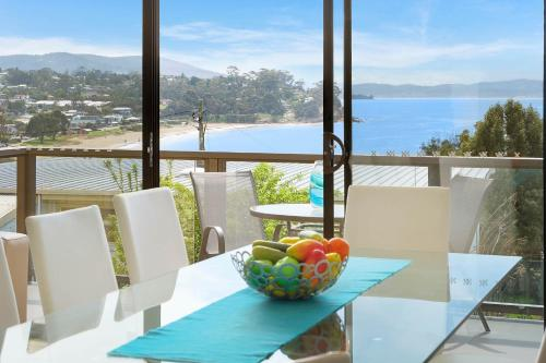 . Self Contained Beach View Apartment
