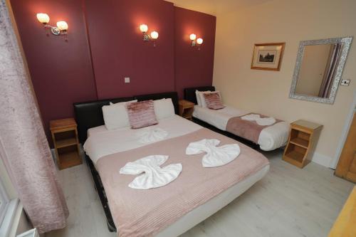 Holland Inn Hotel - Photo 4 of 37