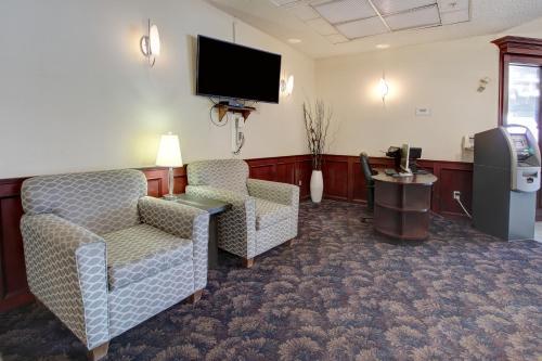 Quality Inn & Suites Edmonton International Airport - Photo 3 of 47