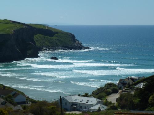 Thorncliff Ocean View Suites, Mawgan Porth, Cornwall