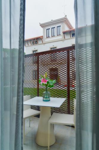 Habitación Doble con terraza (2 adultos) Hotel Arrey Alella 2