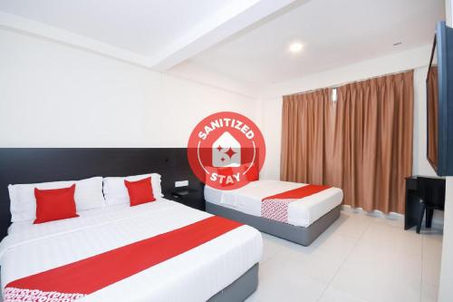 Hotel Kenyalang Suites