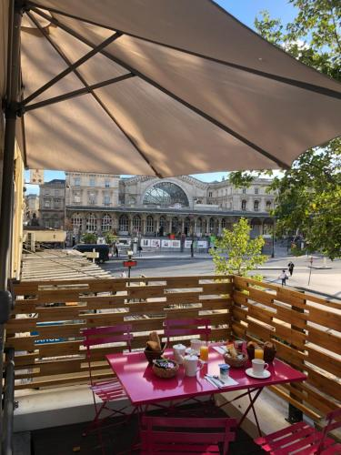 Hotel Little Regina, Gare du Nord