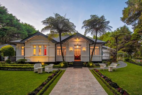 . Mirage Kings Cottage